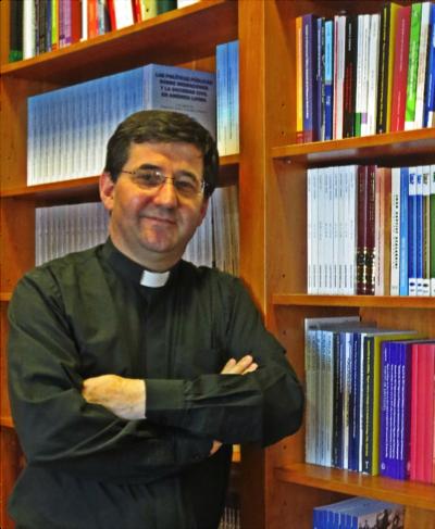 Fr. Leonir Chiarello