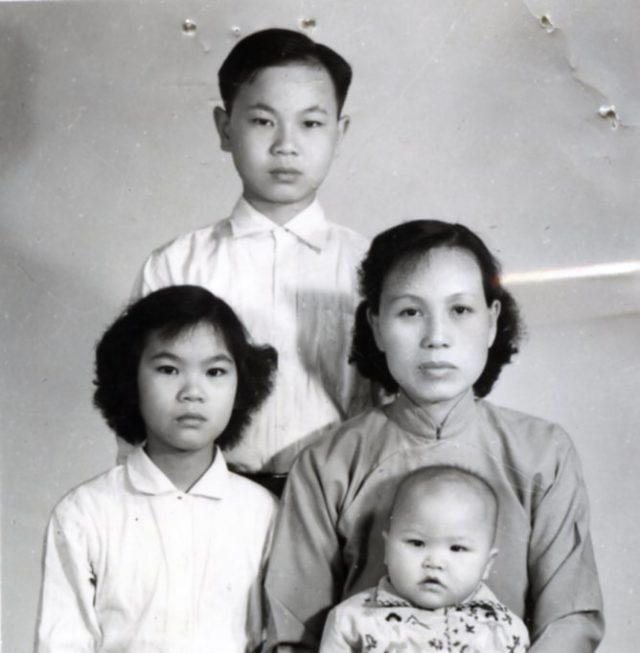 WII Refugee family